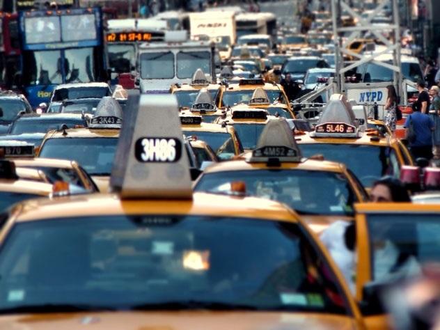 Заторы на дорогах мира: пять городов с самыми большими пробками