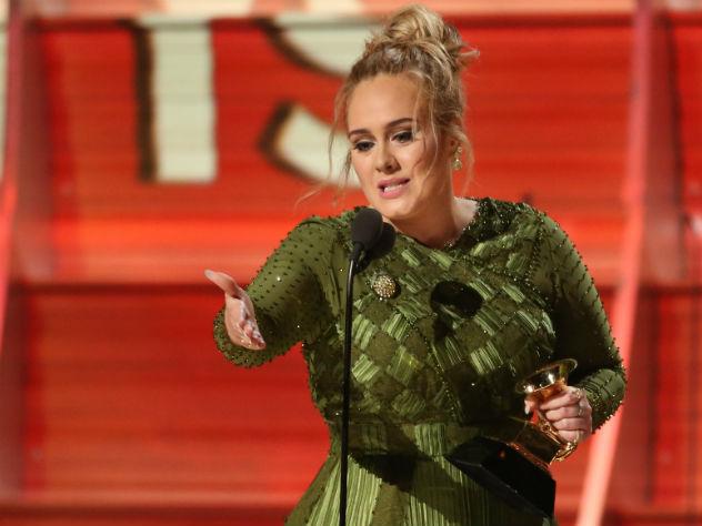 Адель получила «Грэмми» в категории «Песня года»