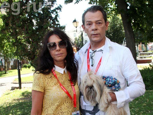 Вадима Казаченко развели сбеременной супругой