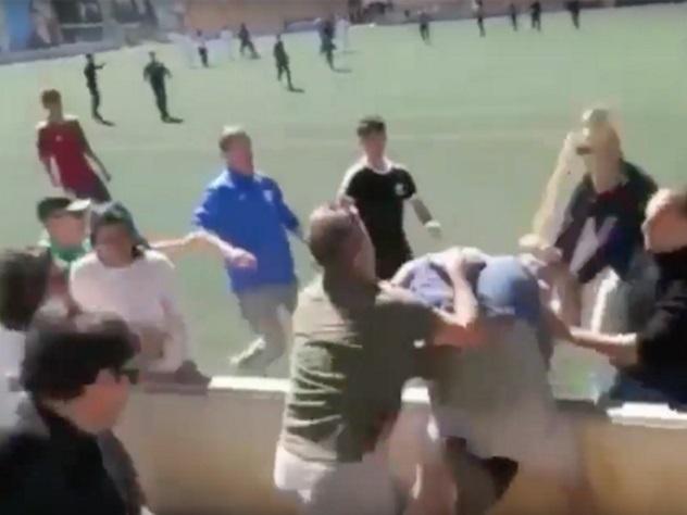 Детский футбольный матч закончился дракой родителей