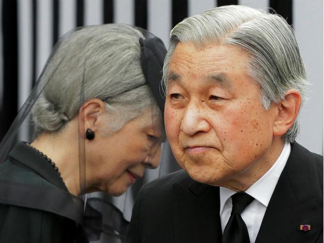 В Японии приняли закон об отречении императора