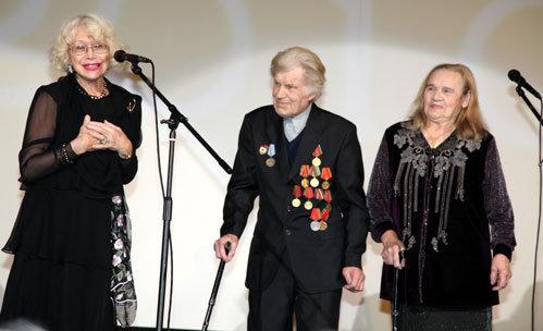 Светлана НЕМОЛЯЕВА (слева)