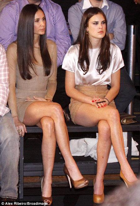 Деми МУР выглядит как сестра своей 16-летней дочери Талуллы. Фото Daily Mail
