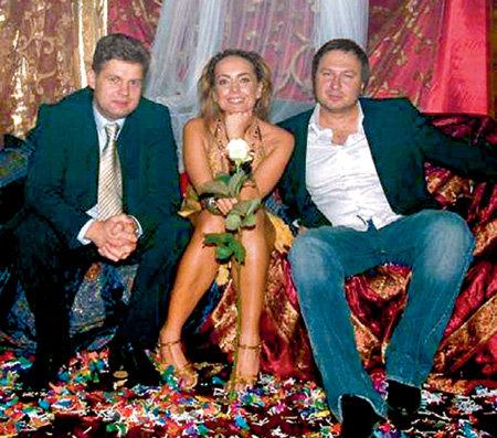 Певица «между ангелом и бесом»: с бывшим продюсером Андреем ШЛЫКОВЫМ (слева) и нынешним - Андреем ГРОЗНЫМ (справа)