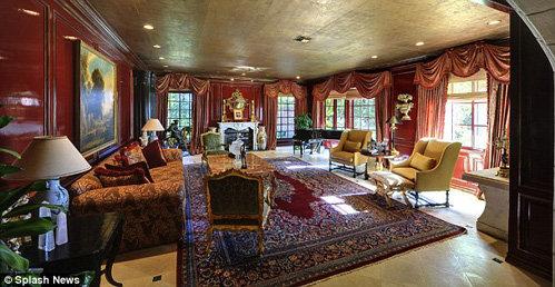Дом декорирован в стиле