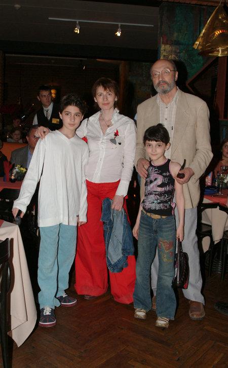 Артист с четвёртой женой Анной ЯМПОЛЬСКОЙ, сыном Мишей и дочкой Зоей.