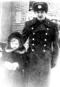 Подполковник ПУГАЧЁВ с племянницей Кристиной