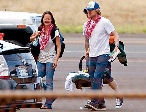 УИЛСОН с герлфренд Джейд и малышом Закарией на остров Мауи всегда прилетают на частном самол`те