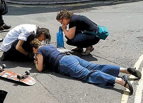 Пёс сбил с ног двух женщин, одна из которых серьёзно пострадала
