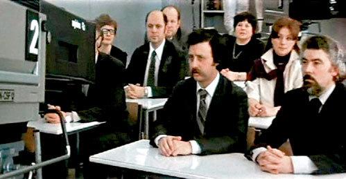 В 1980 году Леонид Аркадьевич дебютировал в кино в роли одноклассника героини Натальи ГУНДАРЕВОЙ в фильме «Однажды двадцать лет спустя»