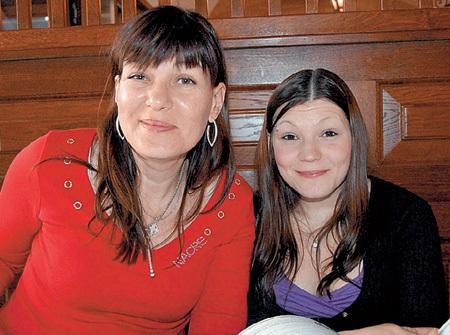 Дочь актёра Полина и внучка Настя