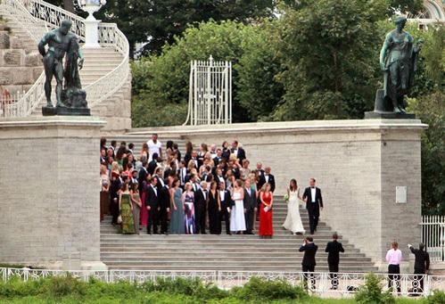 Евгения СЛЮСАРЕНКО и Пьер АНДЮРАН отпраздновали свадьбу в Екатерининском дворце