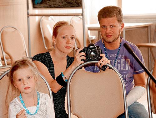 Екатерина КУКЛАЧЕВА с дочкой Настей и мужем Юрием