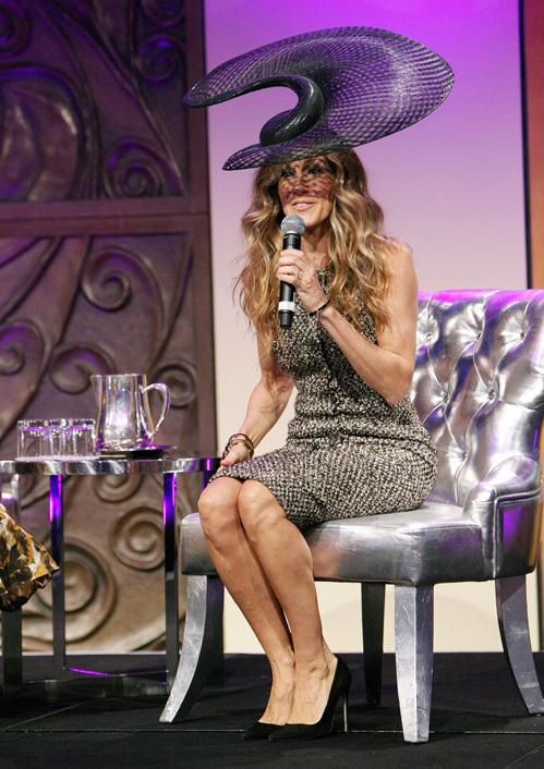 Сара Джессика ПАРКЕР в Мельбурне появилась в необычной шляпке