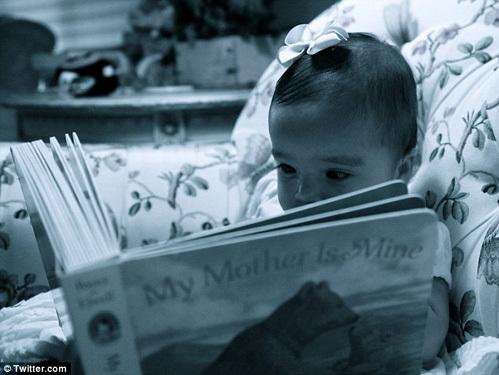 Дочка Мэрайи - настоящая маленькая принцесса