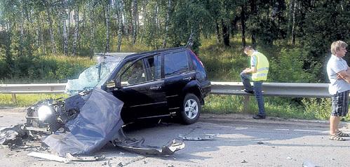 ...но машина Кирилла ЧОПОРОВА оказалась полностью разбита, и в ней погибла 24-летняя Мария КУЛИКОВА