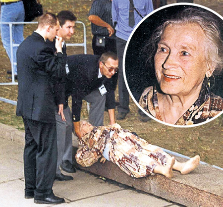 Смерть ребёнка и уход мужа подкосили здоровье знаменитой актрисы Любови СОКОЛОВОЙ - она стала часто падать в обмороки
