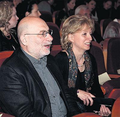 Борис ЧХАРТИШВИЛИ (АКУНИН) с женой Эрикой получили от просмотра фильма эстетическое наслаждение