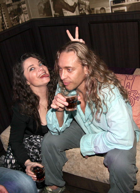 Наташа КОРОЛЁВА и ТАРЗАН. Фото Ларисы КУДРЯВЦЕВОЙ