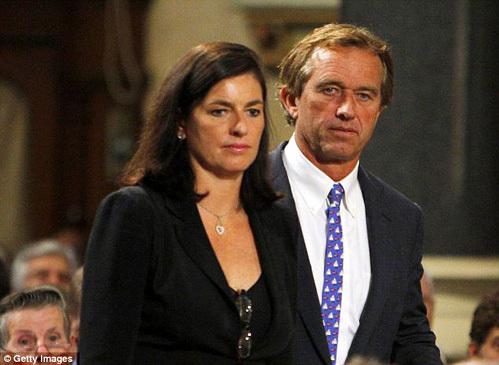 Роберт и Мэри на похоронах сенатора Теда КЕННЕДИ