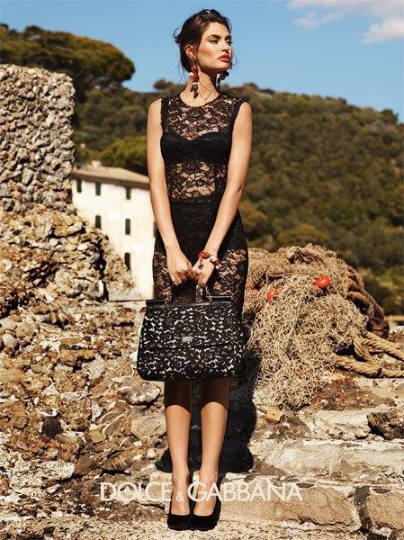На подвиги Анастасию вдохновило вот это платье из весенней коллекции Dolce & Gabbana Spring 2012
