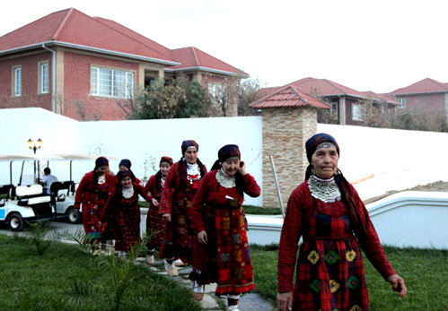 Бурановских бабушек поселили в отеле Sea Breeze в поселке Нардаран (фото РИА