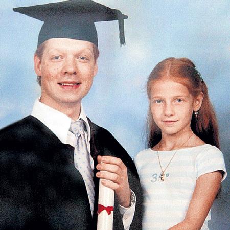 Денису и Анне-Марии от мамы-немки достался огненный цвет волос, а от папы-актёра - бурный темперамент