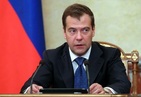 Дмитрий МЕДВЕДЕВ запретил олимпийцам болтаться по «Русскому дому»