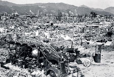 Атомная бомбардировка американцами японских городов Хиросимы и Нагасаки привела к мутации жителей Страны восходящего солнца