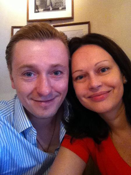 1 Ирина и Сергей БЕЗРУКОВЫ поприветствовали ДОМОГАРОВА совместным снимком...