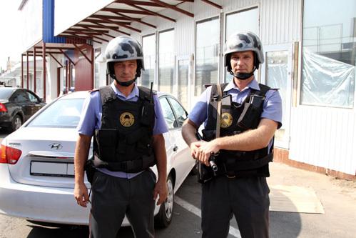 Прапорщики полиции Сергей ПИЛИПЕНКО и Александр КОРОБОВ, задержавшие МАКСИМОВА