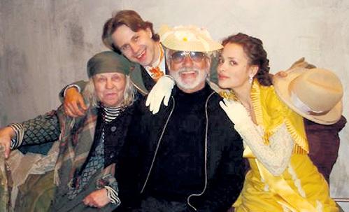 С Виктором МЕРЕЖКО и Анастасией МИКУЛЬЧИНОЙ (справа) на съёмках «Соньки Золотой ручки»