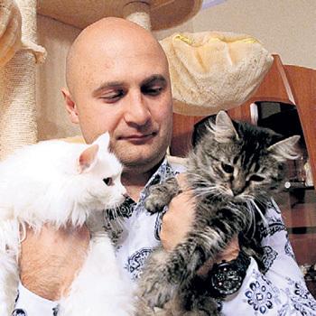 Евгений ТОЛСТЫЖЕНКО - защитник животных