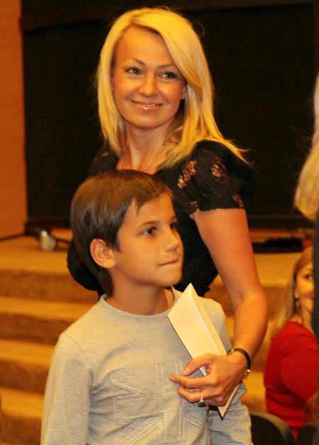 Яна РУДКОВСКАЯ с сыном Андреем