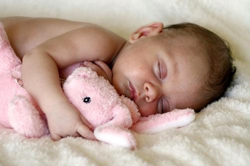 Спать безмятежно, как младенец, мечтает почти каждый из нас