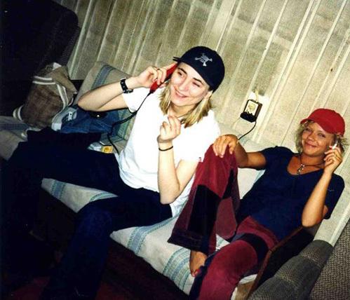 В конце 90-х Перона (так друзья называют Елену) и ЗЕМФИРУ часто видели вместе. Фото: Fb.com