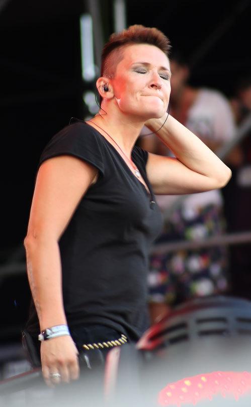 lesbiyanka-arbenina-foto-devushki