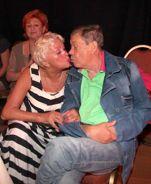 Николай КАРАЧЕНЦОВ с женой Людмилой