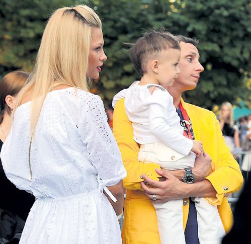 Юморист с женой Ольгой и сыном Вадимом