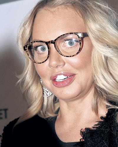 Маша МАЛИНОВСКАЯ, несколько лет проходившая с губами, похожими на пельмени (на фото), сделала операцию по их уменьшению