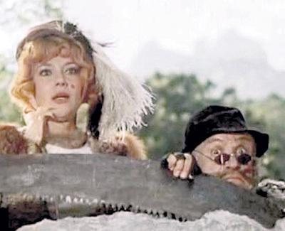 В «Приключениях Буратино» Ролан БЫКОВ сыграл кота Базилио, а его жена Елена САНАЕВА - лису Алису