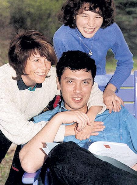 С бывшей женой Раисой и дочкой Жанной