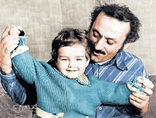 Долгожданный сын у Семёна Львовича родился, когда ему исполнилось уже 42 года