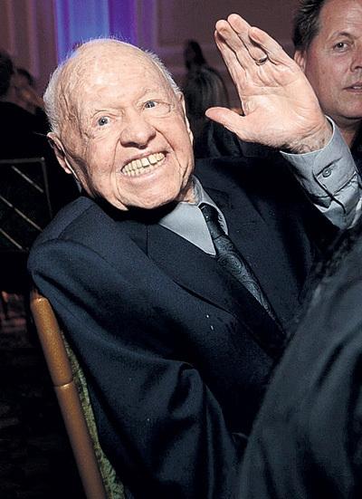 Микки РУНИ в 93 года остался без копейки