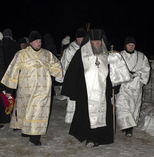 Священники купаться не стали, но носы поморозили вместе со всеми