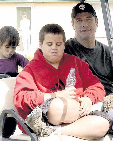 Сын Джона ТРАВОЛТЫ и Келли ПРЕСТОН Джет, скончавшийся в 2009 году в возрасте 16 лет от сердечного приступа, имел аутическое расстройство