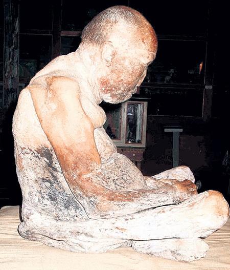 ...таким же и достали через 75 лет. Его последователи уверены: это состояние высшей медитации. Фото: cirota.ru