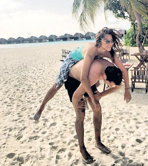 На Мальдивах Аня КАСТЕРОВА иногда становилась наездницей, а Женя МАЛКИН — ее жеребцом (Фото: instagram.com)
