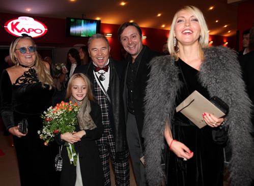 Татьяна МИХАЛКОВА, Слава ЗАЙЦЕВ, Артём МИХАЛКОВ с дочкой и бывшей женой Дарьей