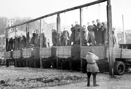 Нынешнюю киевскую власть ждет то же самое, что бандеровцев и полицаев в 1945 году. Их отдадут под трибунал и повесят